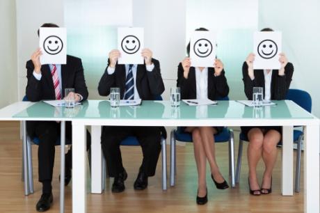 sikap-karyawan-yang-menarik-perhatian-atasan